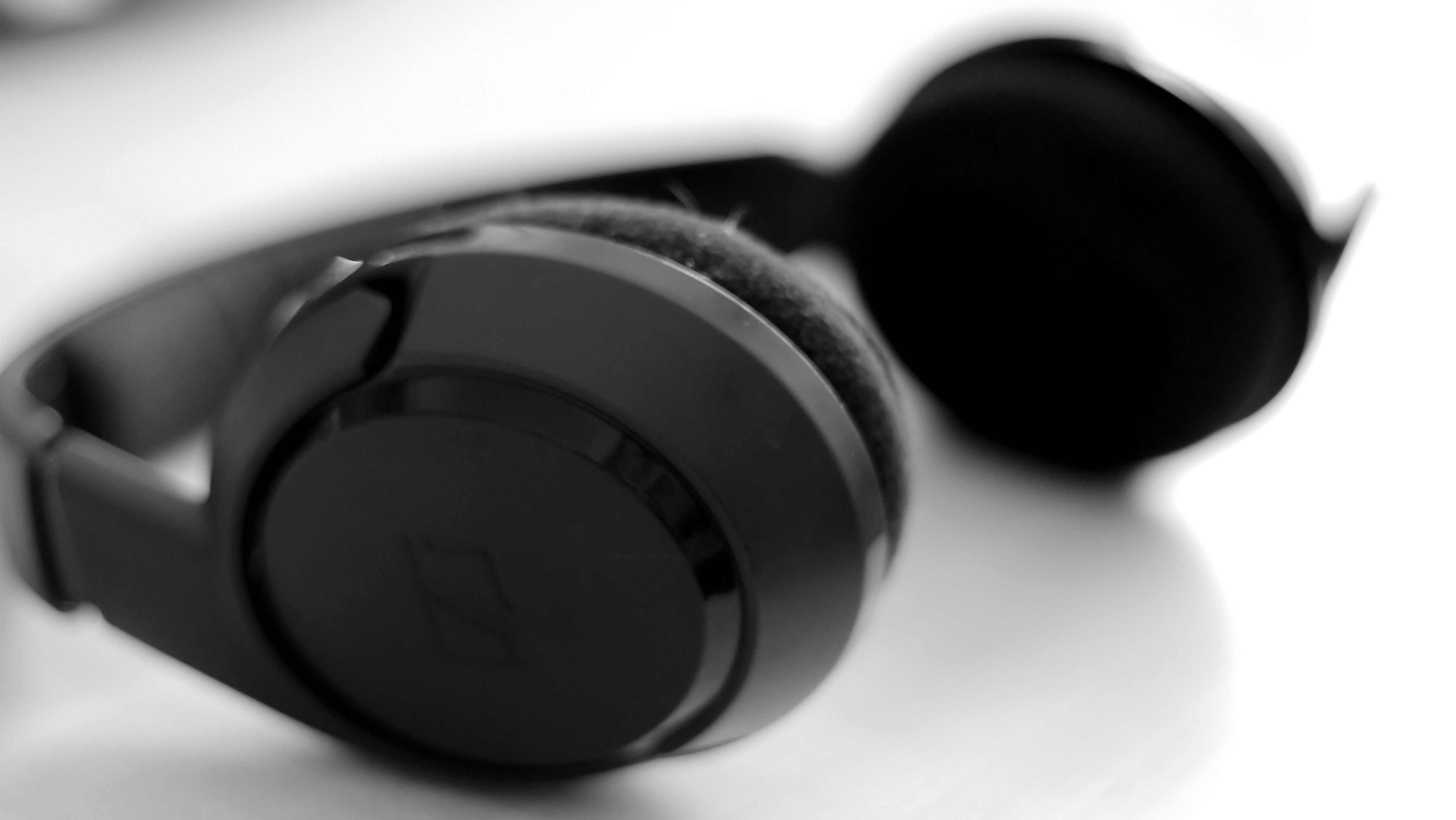 headphones_title